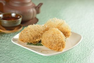 Deep-fried Taro Dumplings with Seafood