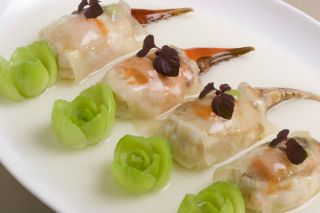 Steamed Crab Claw Wrapped with Sliced Watermelon and Egg White